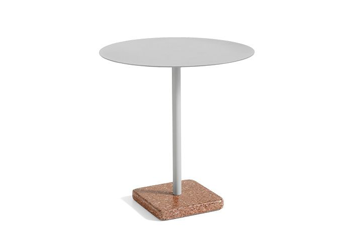1952111009000_Terrazzo Table Round_dia70_Red base_Sky grey tabletop