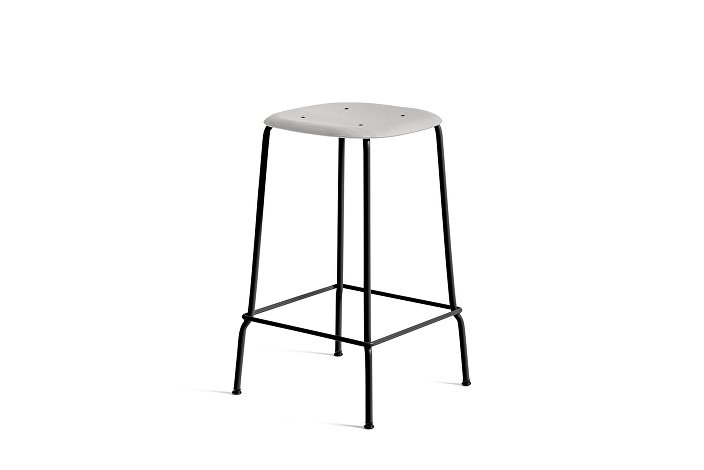 1990751359000_Soft Edge 30 Bar Stool low_H65_Base black_Seat oak soft grey