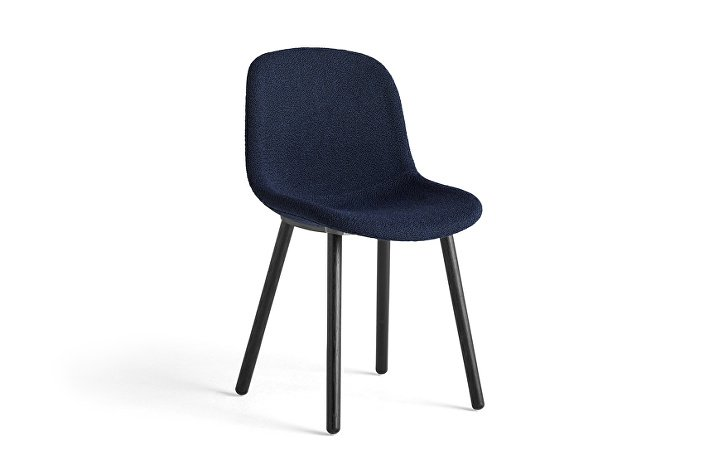 9342226713257_Neu 12 Chair Flamiber dark blue J4 soft black stained oak base