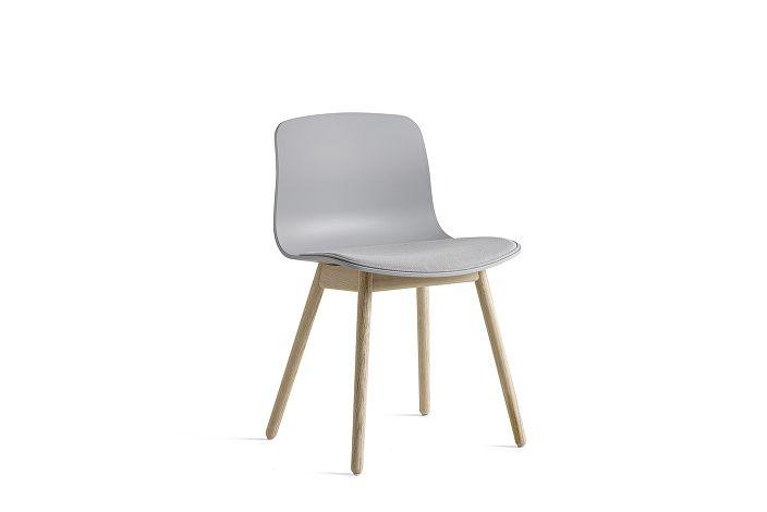 9325151001003_AAC12_Oak matt laquared base_Concrete grey_Seat uph steelcut 140