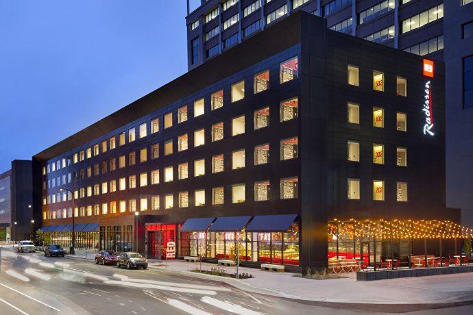 Radisson-RED-Minneapolis_Exterior_1800x1200
