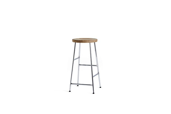 9303051509000_Cornet Bar Stool H65 chromed steel base_solid oiled oak seat