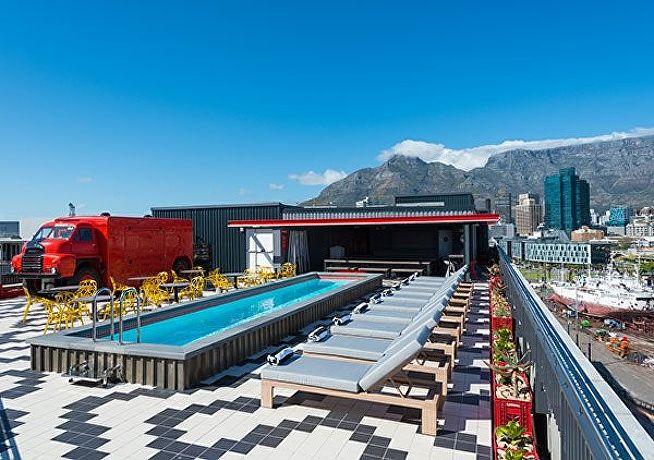 Radisson-rooftop-600x422