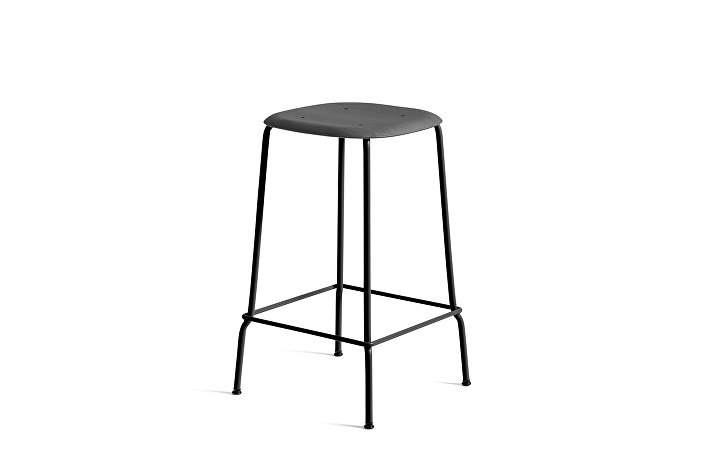 1990751009000_Soft Edge 30 Bar Stool low_H65_Base black_Seat soft black