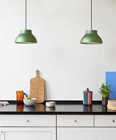 PC Pendant S emerald green_Jug S amber_Bubble Vase M_Plank