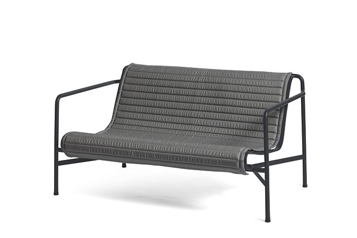 Palissade Lounge Sofa Anthracite_Quilted Cushion Sky Anthracite
