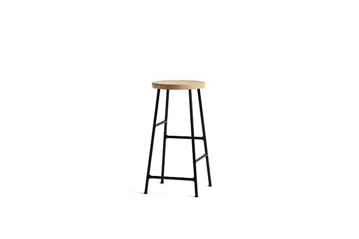 9303011509000_Cornet Bar Stool H65_Black Steel_Seat solid oiled oak_wb