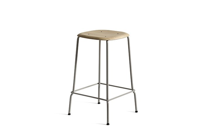 1990791109000_Soft Edge 30 Bar Stool low_H65_Base soft grey_Seat oak matt lacquer