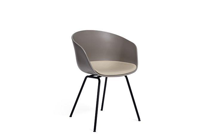 9061416105701_AAC26_Black base_Concrete grey_Seat leather silk SIL0197