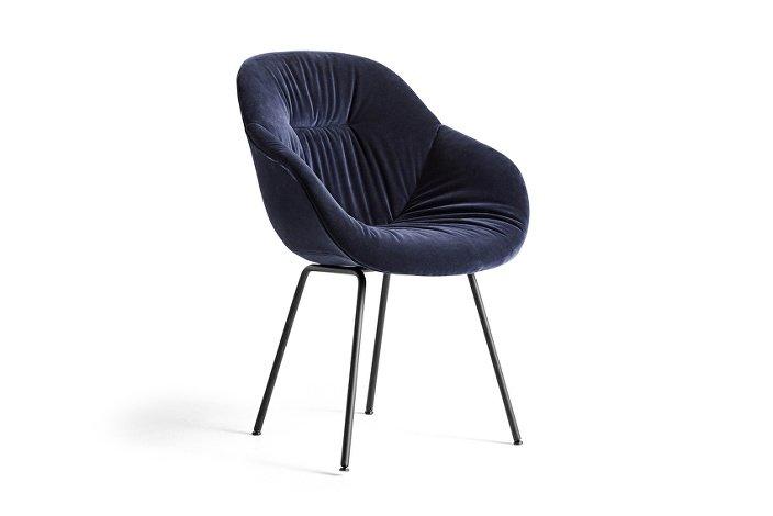 9351636212789_AAC 127 Soft Chair_Lola navy_black base