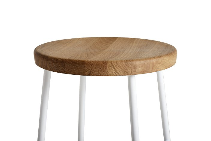 9303132009000_Cornet Bar Stool H75_Base white Steel_Seat solid oak_Detail