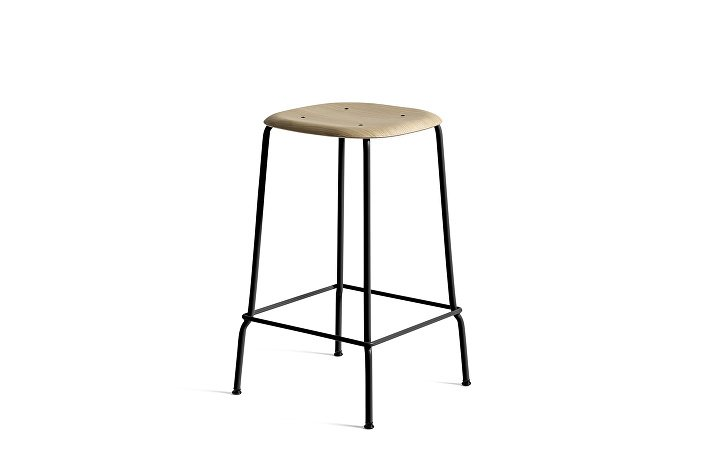 1990751109000_Soft Edge 30 Bar Stool low_H65_Base black_Seat oak matt lacquer