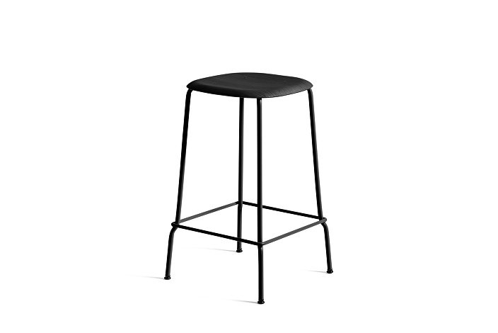 1990751159000_Soft Edge 30 Bar Stool low_H65_Base black_Seat oak black stained