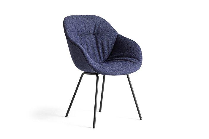 9351636292758_AAC 127 Soft Chair_Olavi by HAY 07_black base