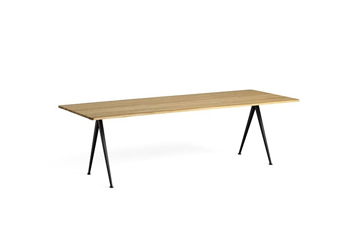 1955171009000_Pyramid Table 02_L250xW85_Frame black_Top oak clear lacquered